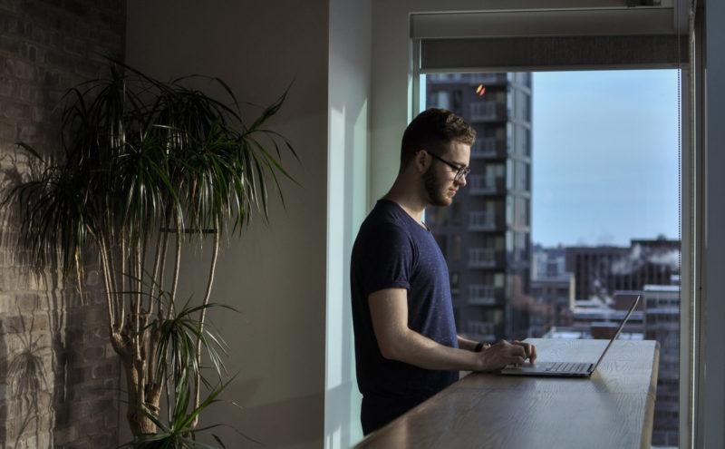 在宅勤務をするならネット環境を整えないとマズい理由。